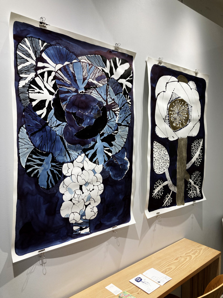 two 768x1024 個展「手と花と」開催中です。